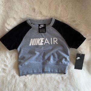 NWT Nike t-shirt for girls